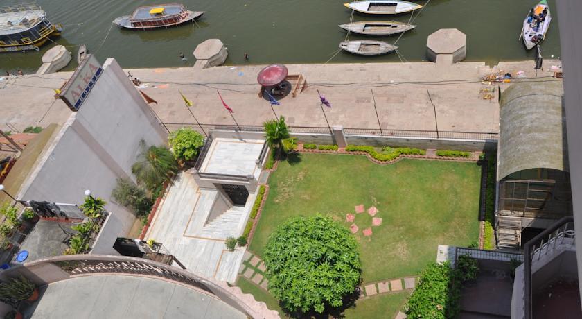 Resort Lake in Hotel Alka
