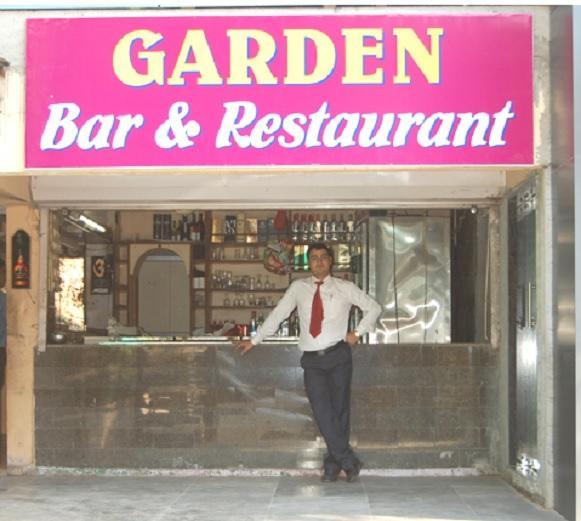 Bar & Restaurant in Hotel Ashoka Palace