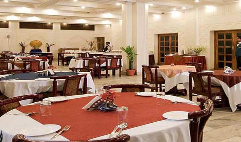 Dining in Hotel Atithi Agra