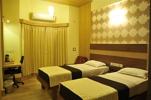 Deluxe in Hotel Bangalore Gate