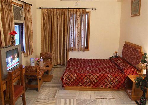 Deluxe Room in Hotel Buddha, Varanasi