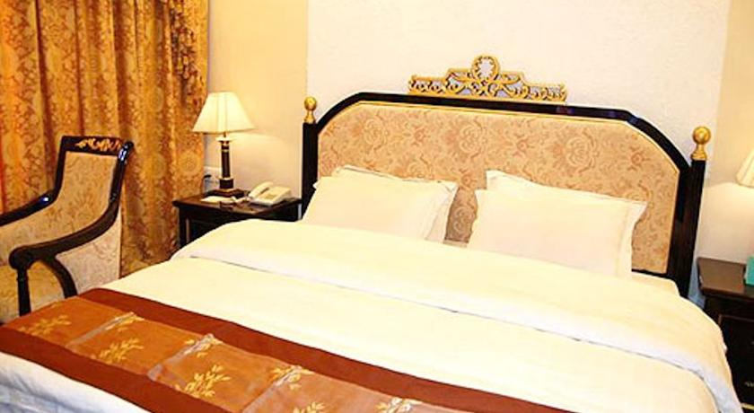 Deluxe Room in Hotel Central Park In Gwalior