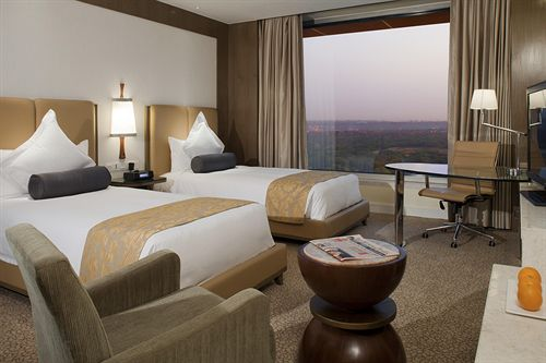 Guest Rooms in Hotel Crowne Plaza Okhla New Delhi