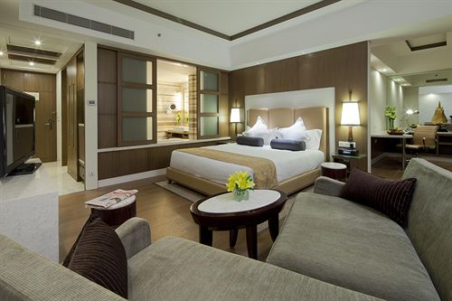 Executive Club Level in Hotel Crowne Plaza Okhla New Delhi