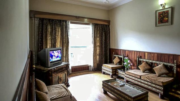 Guest Rooms in Hotel Dalhousie Heights