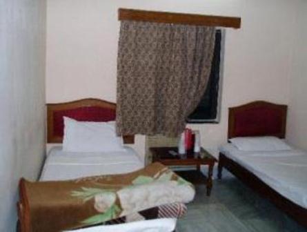 Deluxe in Hotel Embassy