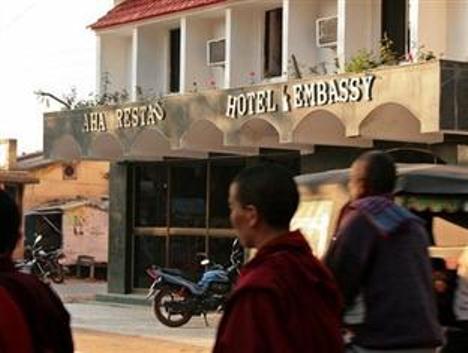 Hotel Embassy3
