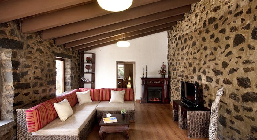 Guest Room in Hotel Fern Creek