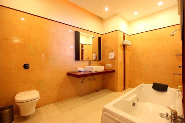 Hotel Grand View Dalhousie Luxury Room