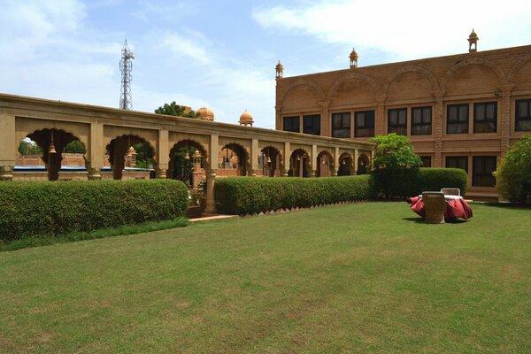 Hotel mahadev palace hotels in jaisalmer - Jaisalmer hotels with swimming pool ...