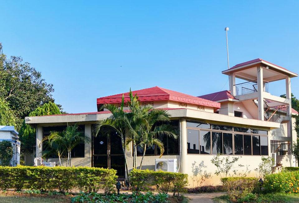 peerless-resort-mukutmanipur-front