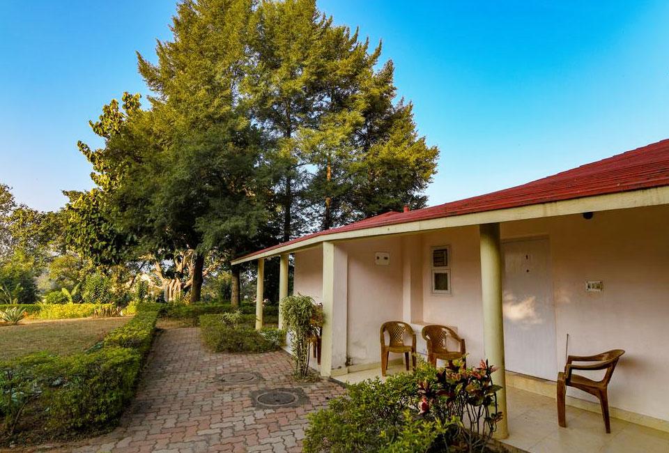 peerless-resort-mukutmanipur-garden