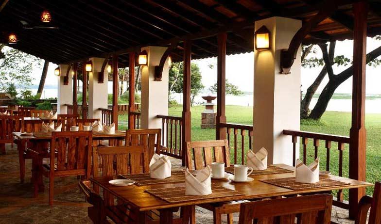 Punnamada Backwater Resort Indian Holiday