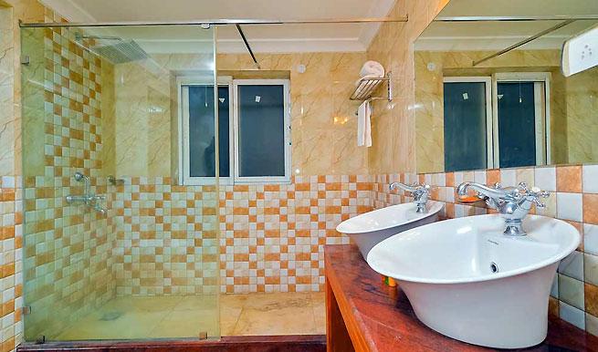 villa-bedroom-2