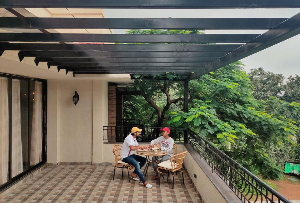 the-summer-house-pachmarhi-terrace-view