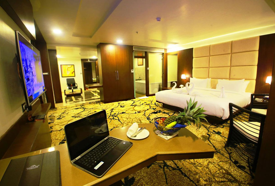 vijan-mahal-Jabalpur-inner-room
