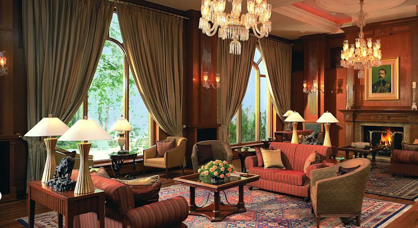 Luxury Guest2 Room in Wildflower Hall Mashobra