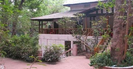 Resort in Woodlands Hotel