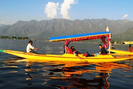 Shikara Ride, Srinagar