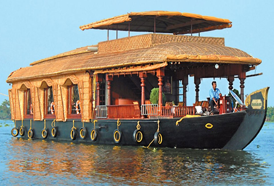 munnar-and-alleppey-tour-backwater