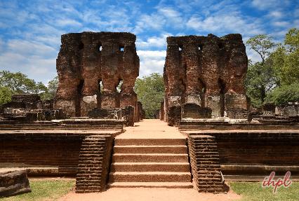 parakramabahu palace polonnaruwa