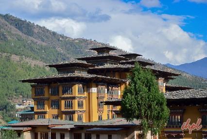Trek to reach Khothangkha valley