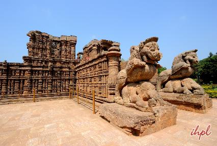 konark sun temple entrance