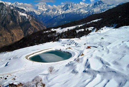 Artificial lake in Auli