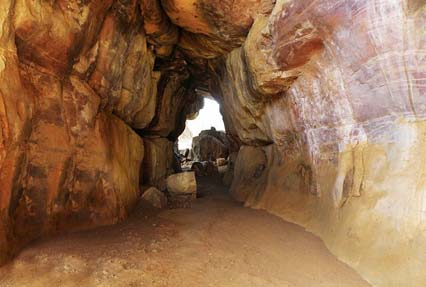 rock shelters of bhimbetka bhopal